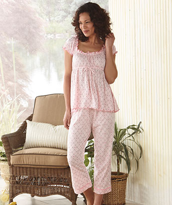 womens-knit-capri-pajamas - Lakeside Collection Blog