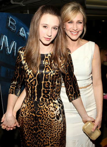 taissa-and-vera-farmiga