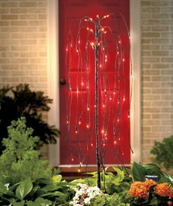 solar-lighted-willow-tree-stake