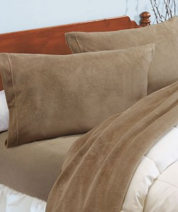 You'll want to stay in bed forever, once you experience the astonishing softness of this Plush Microfleece Sheet Set!