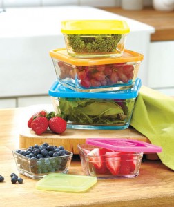 The 10-Pc. Glass Bowl Set makes it easy to identify which foods you've stored.