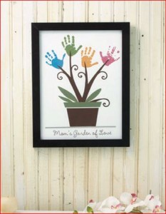 handprint-wall-art