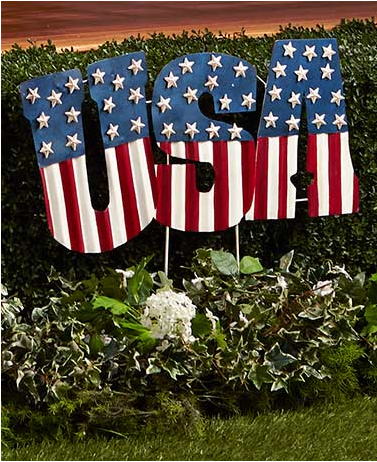 patriotic-pride-garden-decor