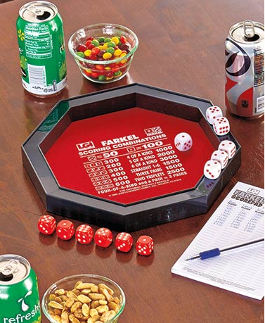 farkel-game-set-with-dice-rolling-tray