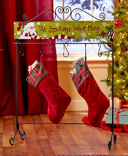 standing-holiday-stocking-hangers