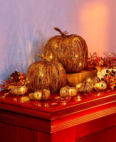 lighted-fall-grapevine-collection-pumpkin-decorations