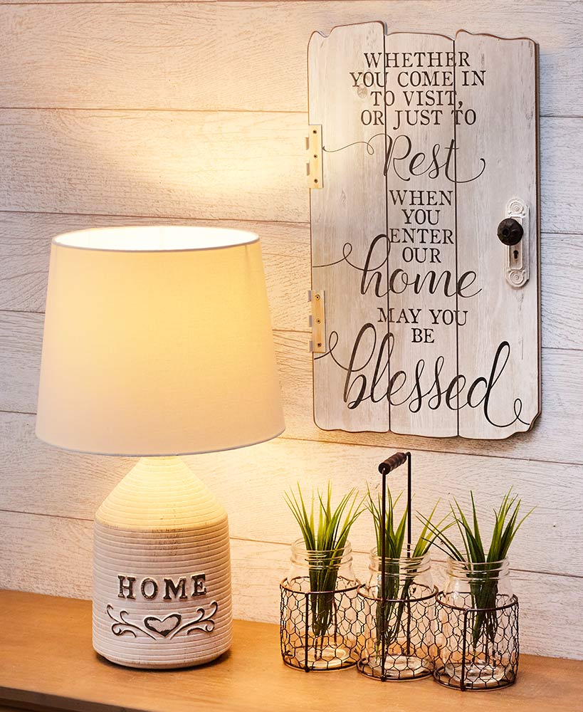 Rustic Decor Country Home Collection With White Wood Lamp And Sign