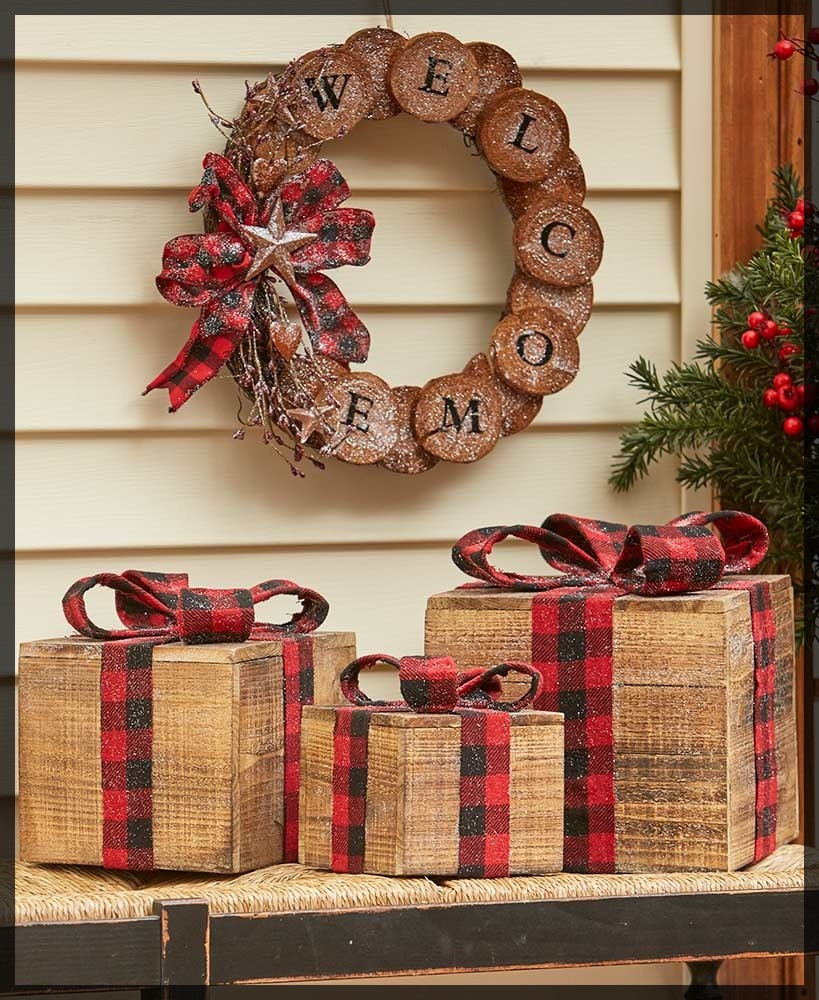 Rustic Wooden Holiday Decor