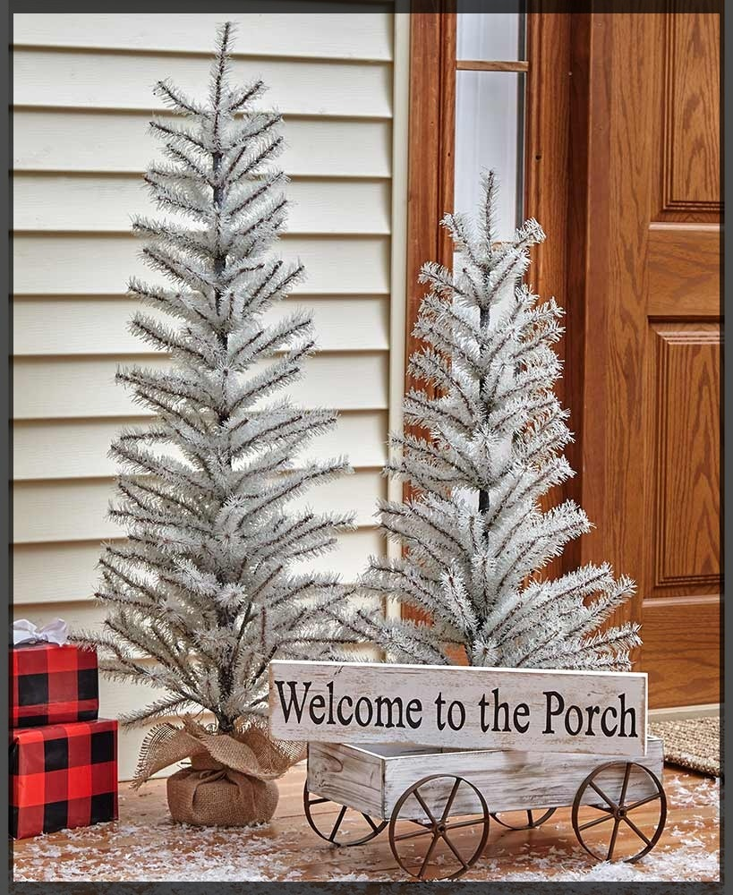 10 Festive Front Porch Christmas Decorations
