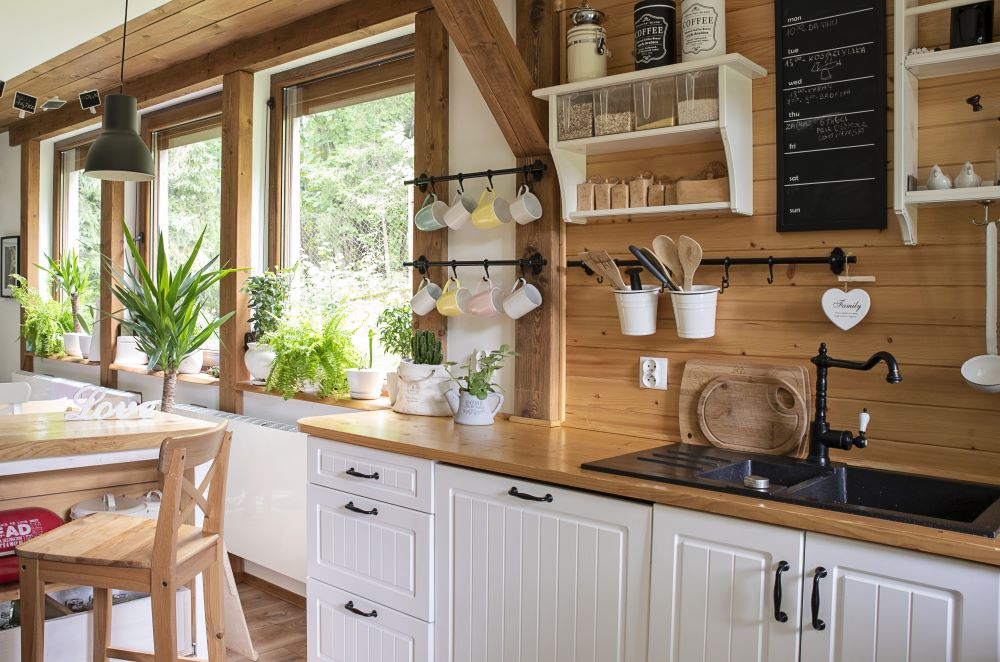 Decorating Ideas For Country Kitchen - Wooden Walls