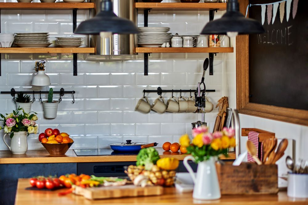 Decorating Ideas For Country Kitchen - Floating Shelves
