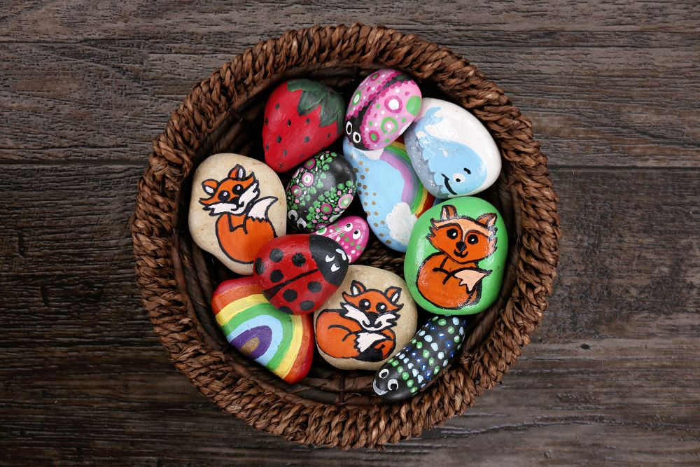 DIY Garden Decor - Painted Garden Rocks