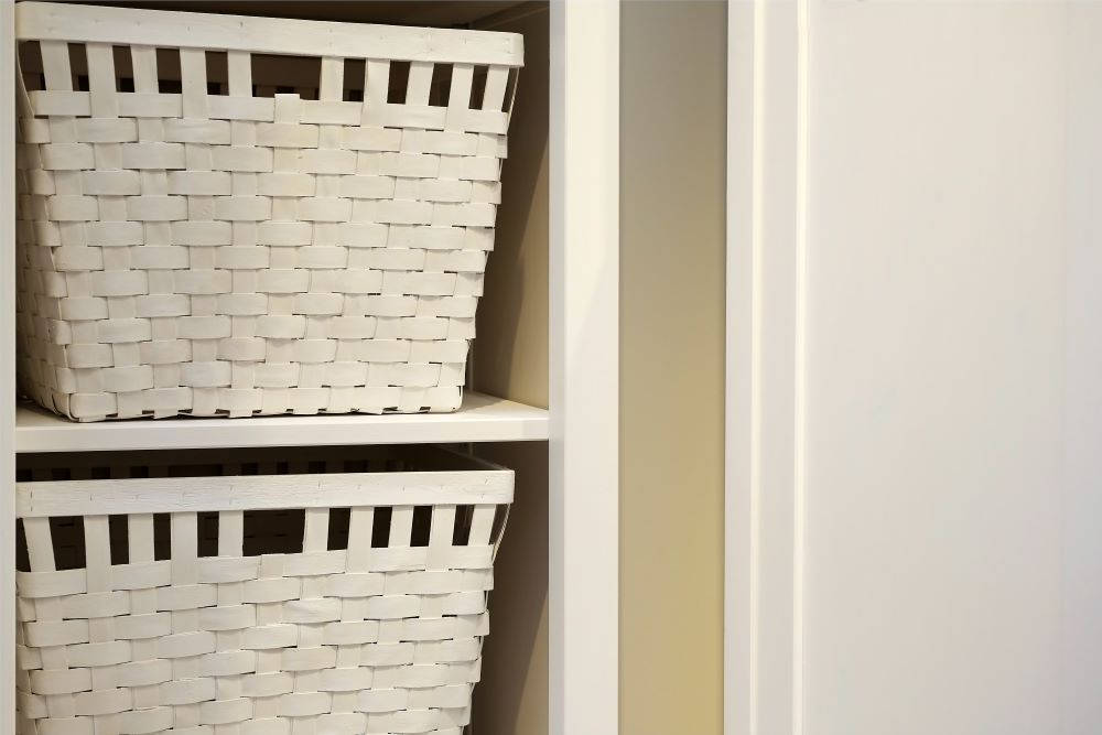 Country Bedroom Ideas - Basket Drawers