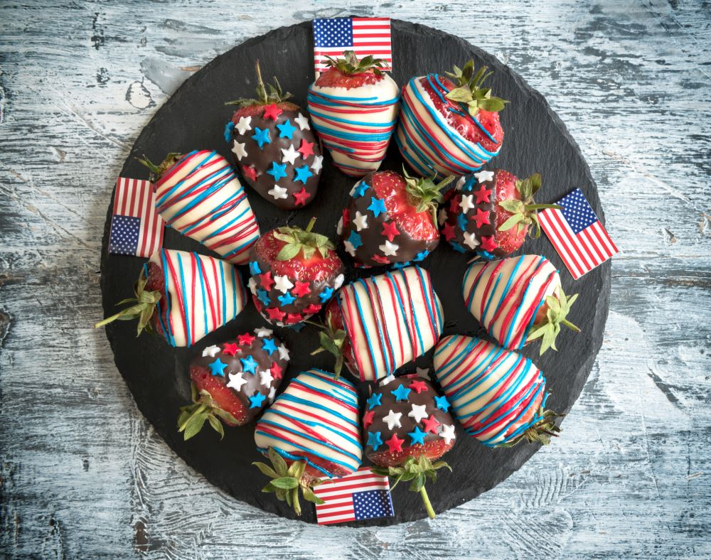 Desserts for the 4th of July -  Americana Chocolate Covered Strawberries