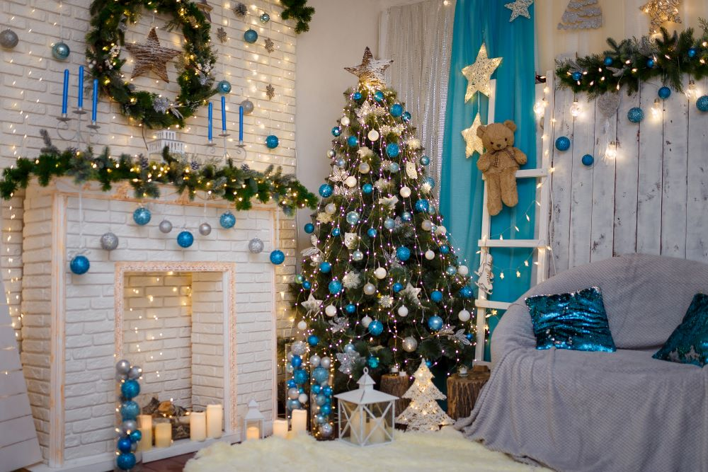 How To Decorate A Winter Wonderland Christmas Tree - Silver, White, And Blue Ornaments