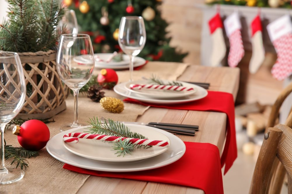 Decorate Your Dining Table For Christmas - Candy Cane Place Settings