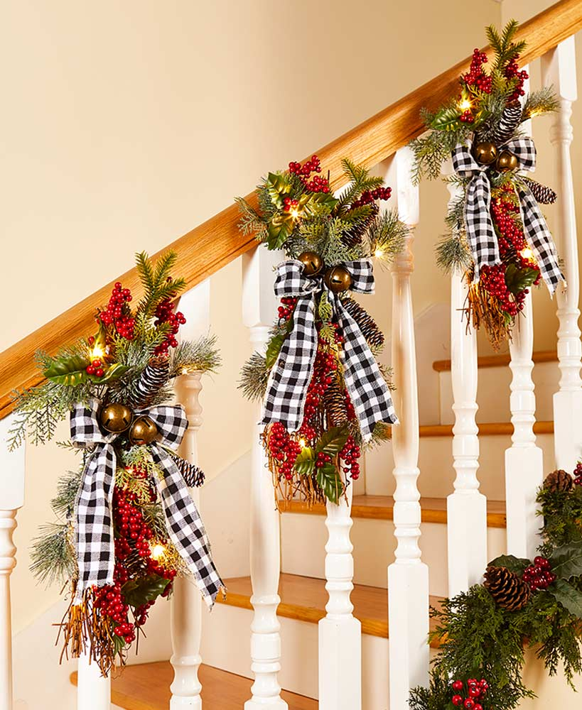 Buffalo Plaid Lighted Holiday Swags