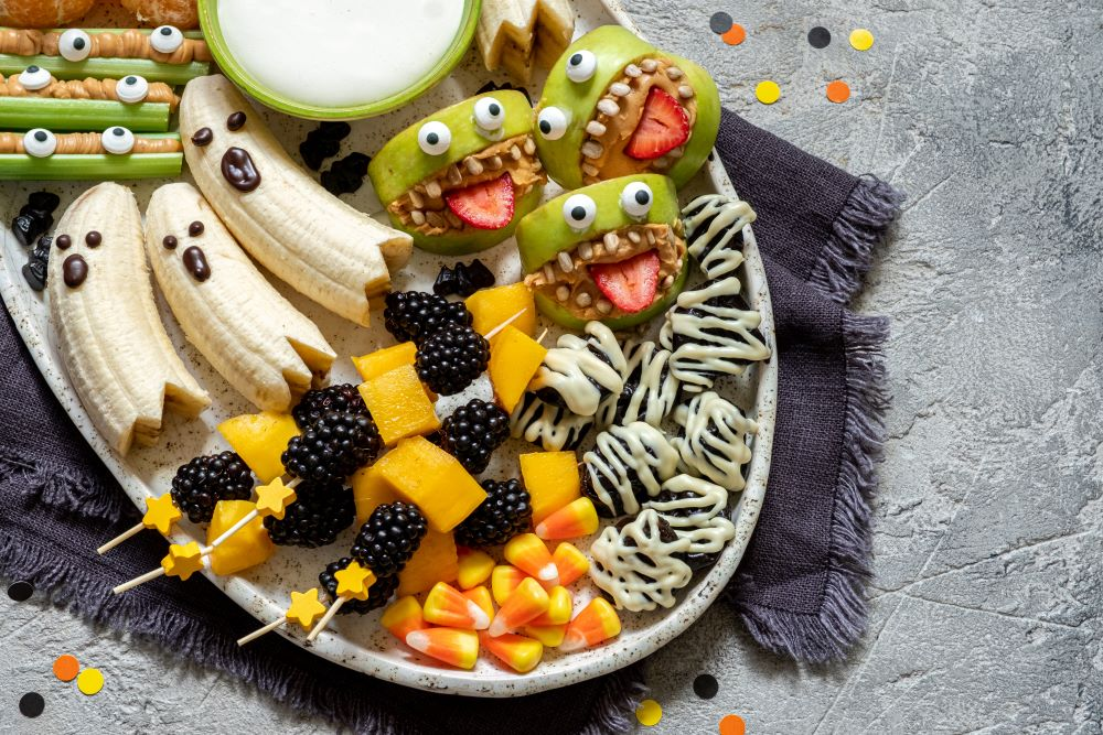Spooky Recipes For Halloween - Halloween Critters Fruit Tray