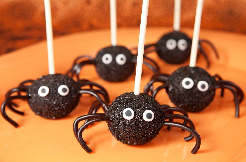 Spooky Recipes For Halloween - Spider Cake Pops