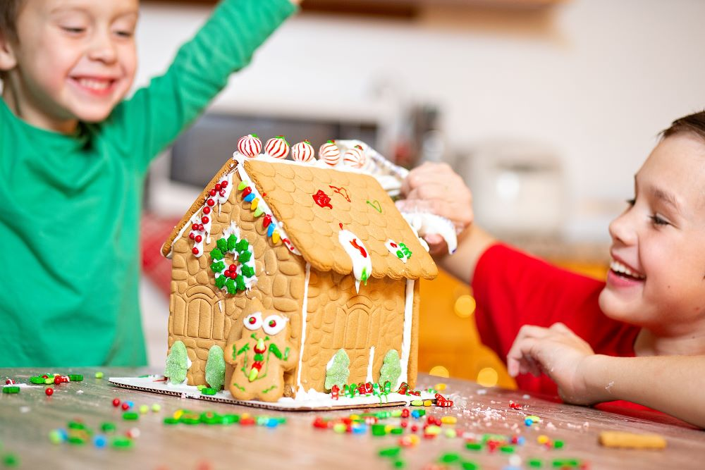Family Christmas Party Ideas - Gingerbread House Decorating Contest