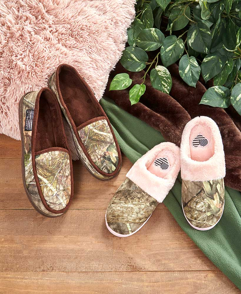 His or Hers Mossy Oak™ Slippers