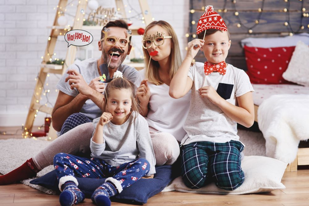 Family Christmas Party Ideas - Family Photoshoot With Props