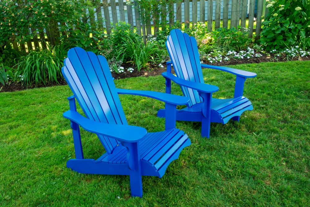 Backyard Decorating Ideas - Colorful Chairs