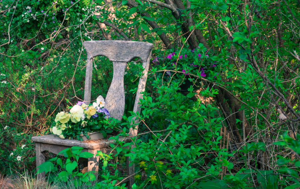 DIY Antique Chair Flower Planter