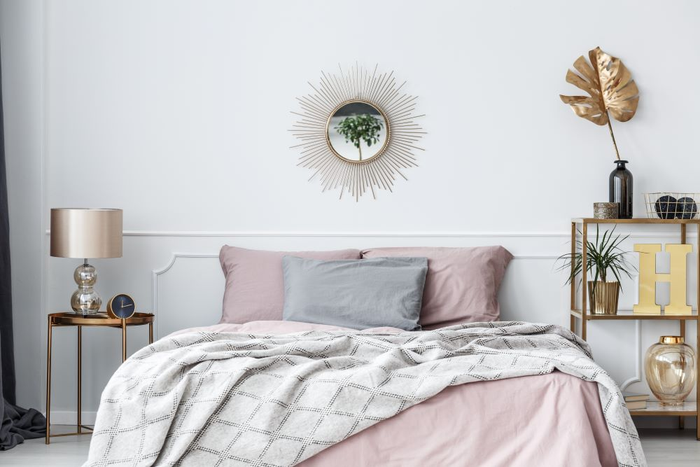 choose a color palette for your bedroom - stick to three main colors