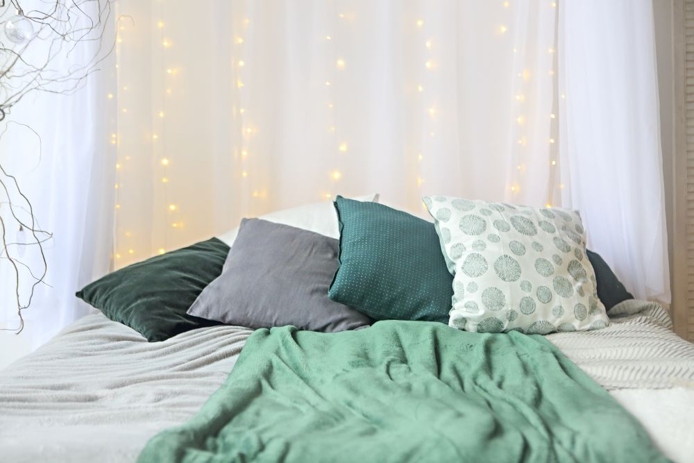 choose a color palette for your bedroom - pick your colors based on your clothing