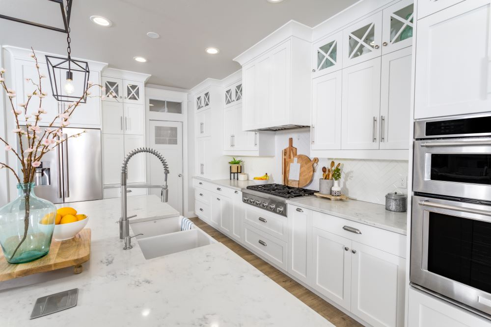 Kitchen Island Decorating Ideas - use a tray for decor