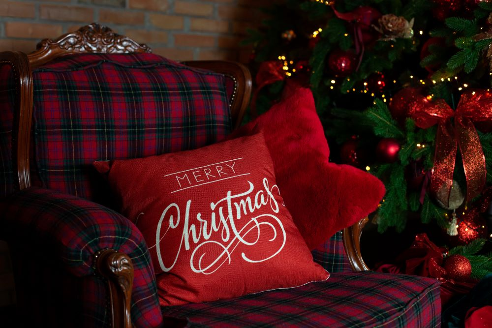 How To Make Your Bedroom Cozy For Christmas - Christmas chair