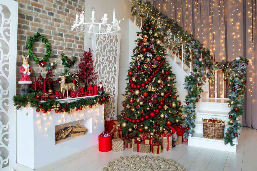 Classic Christmas Decorating Ideas - Christmas mantel and staircase decorations