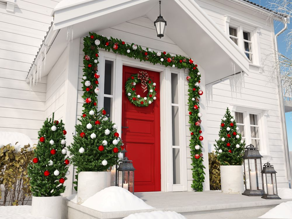 Classic Christmas Decorating Ideas - holiday porch decorations